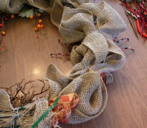 Autumn Burlap Wreath Back rlc